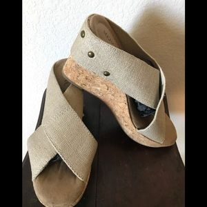Merona cork base, elastic strap sandals